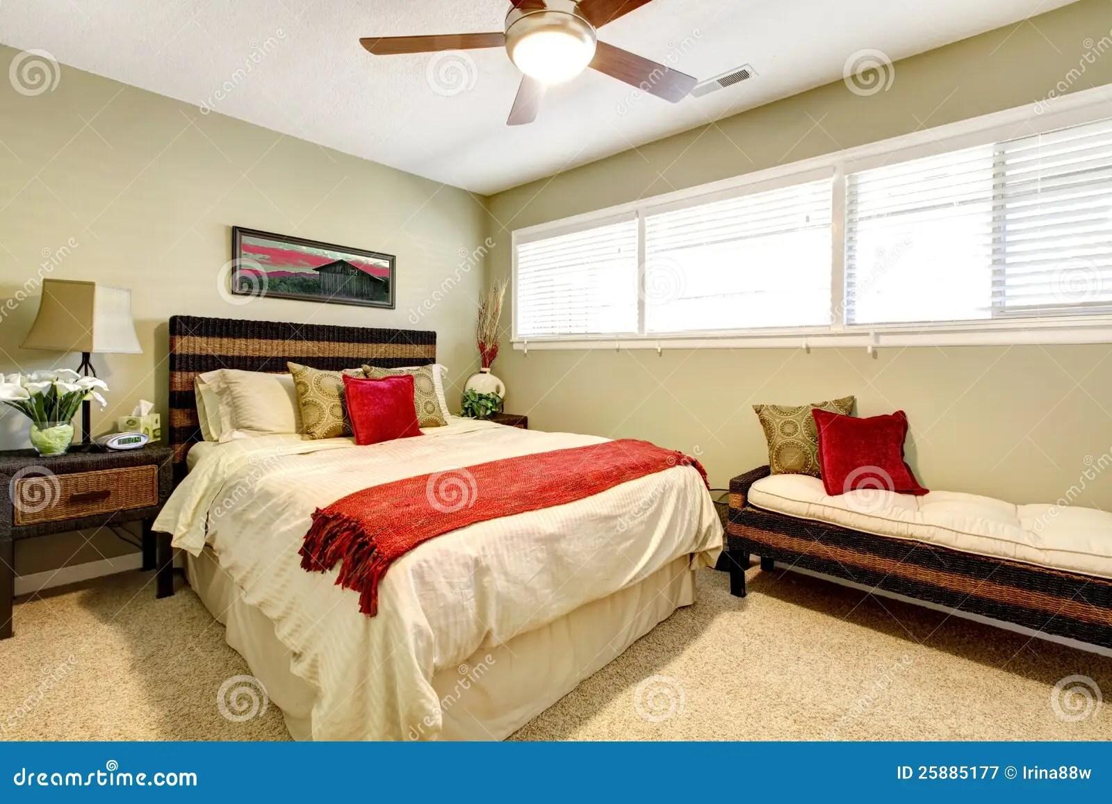 Het Binnenland Van De Slaapkamer Met Rood En Groen Stock