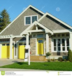 Hogar Exterior Con Las Puertas Amarillas Foto de archivo Imagen de exterior hogar: 34561194