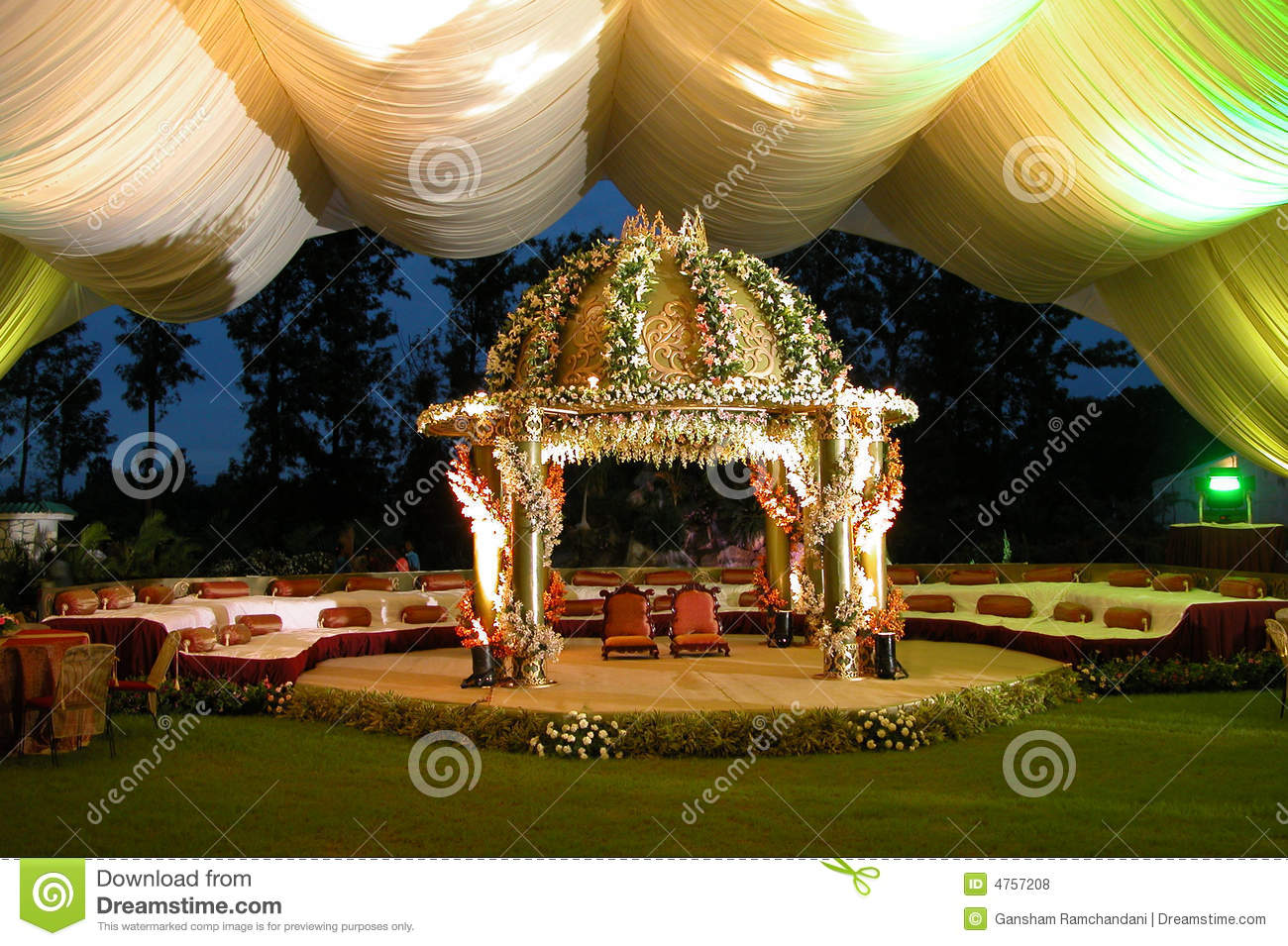 Indian Hindu Wedding StageMan Royalty Free Stock Photos