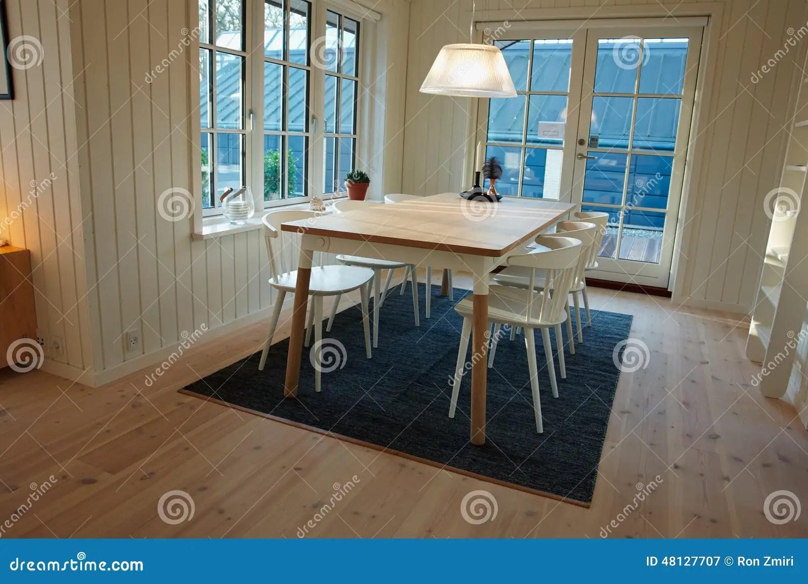 Interior Design Scandinavo Danese Della Sala Da Pranzo Moderna Immagine Stock  Immagine di