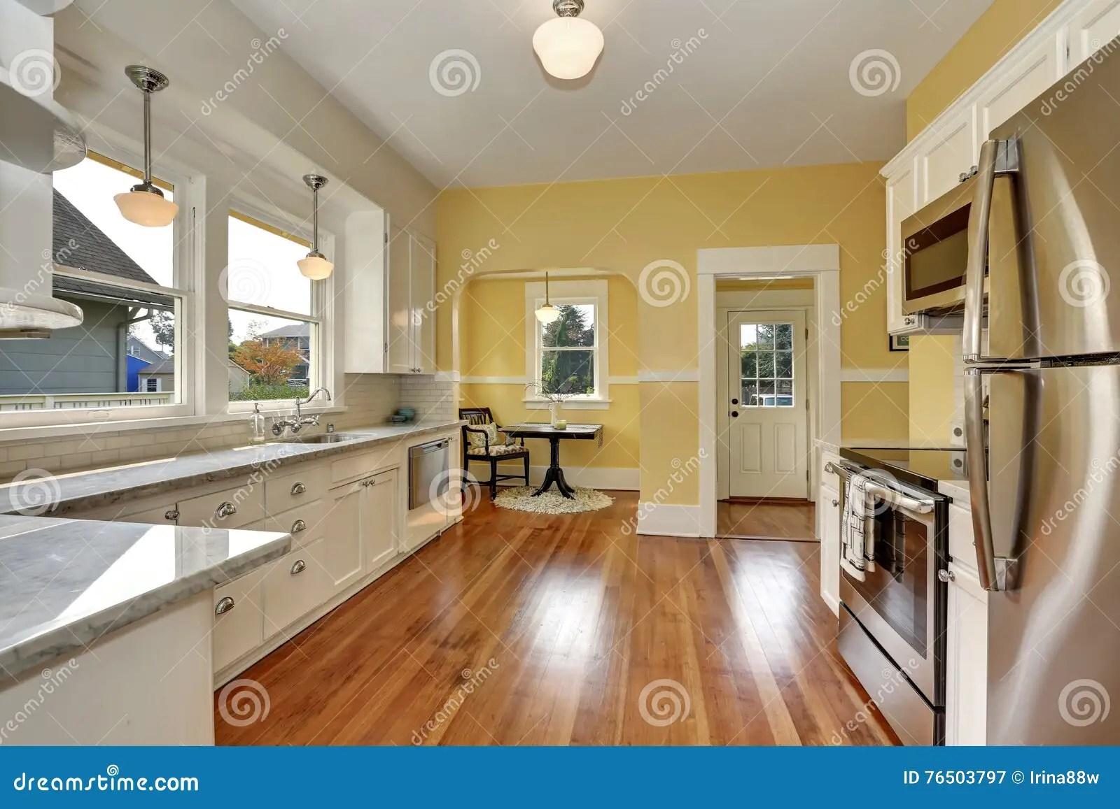 Pareti cucina gialle smalto lavabile per cucina idee per la casa