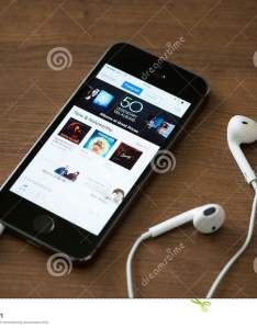 Itunes music charts on apple iphone  also editorial stock photo image rh dreamstime