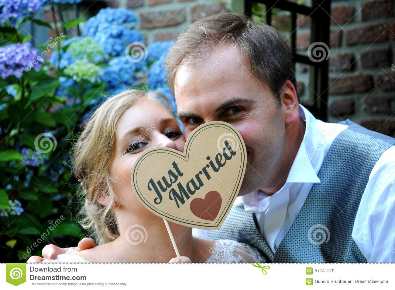 Just Married Couple Stock Image Image Of Brides Girl