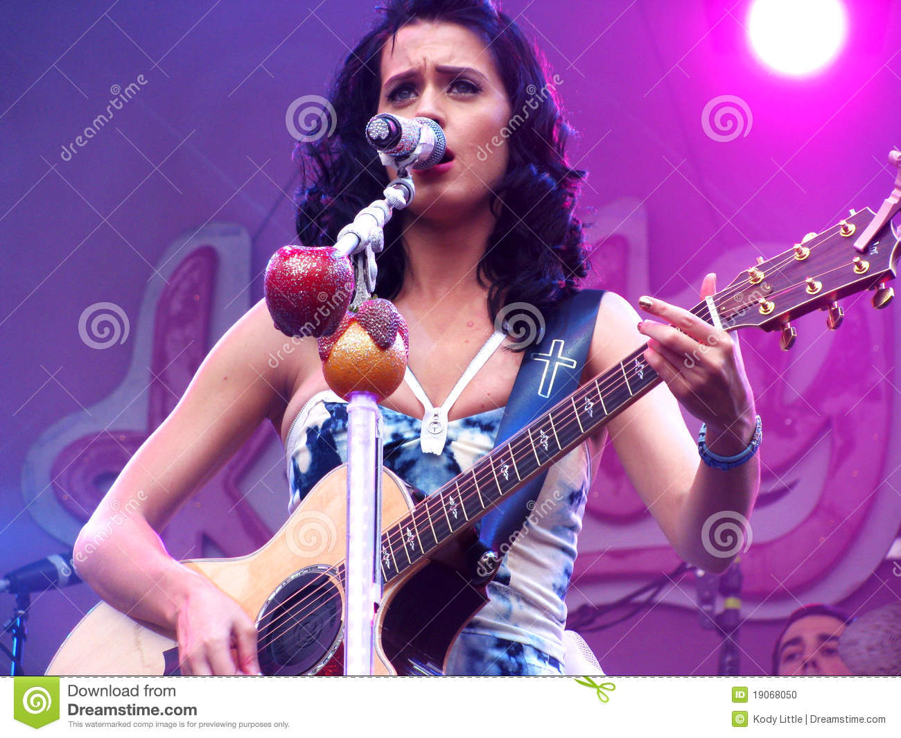 Power Girl Wallpaper Hd Katy Perry Playing The Guitar Editorial Image Image