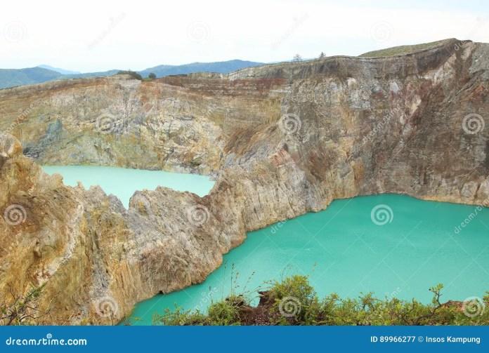 Kelimutu Crater Lakes Stock Image Image Of Muri Enchanted 89966277