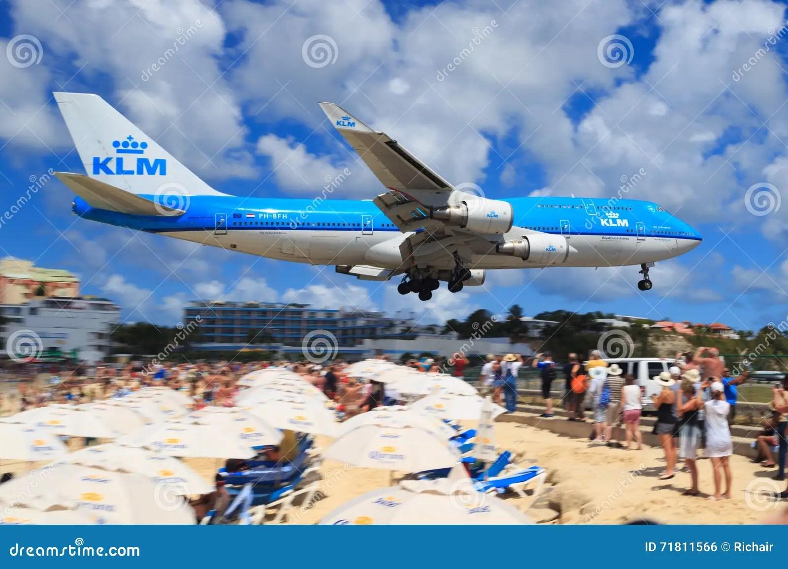 klm 747 over maho