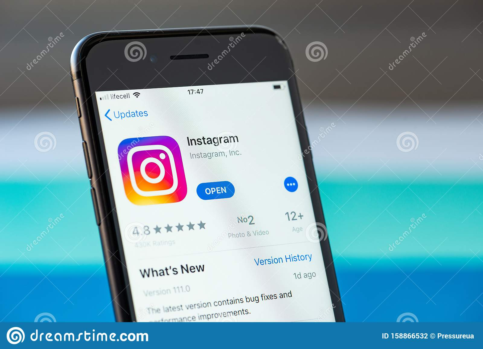 Instagram Application On Apple IPhone 8 Screen Editorial Photography - Image of rating. application: 158866532