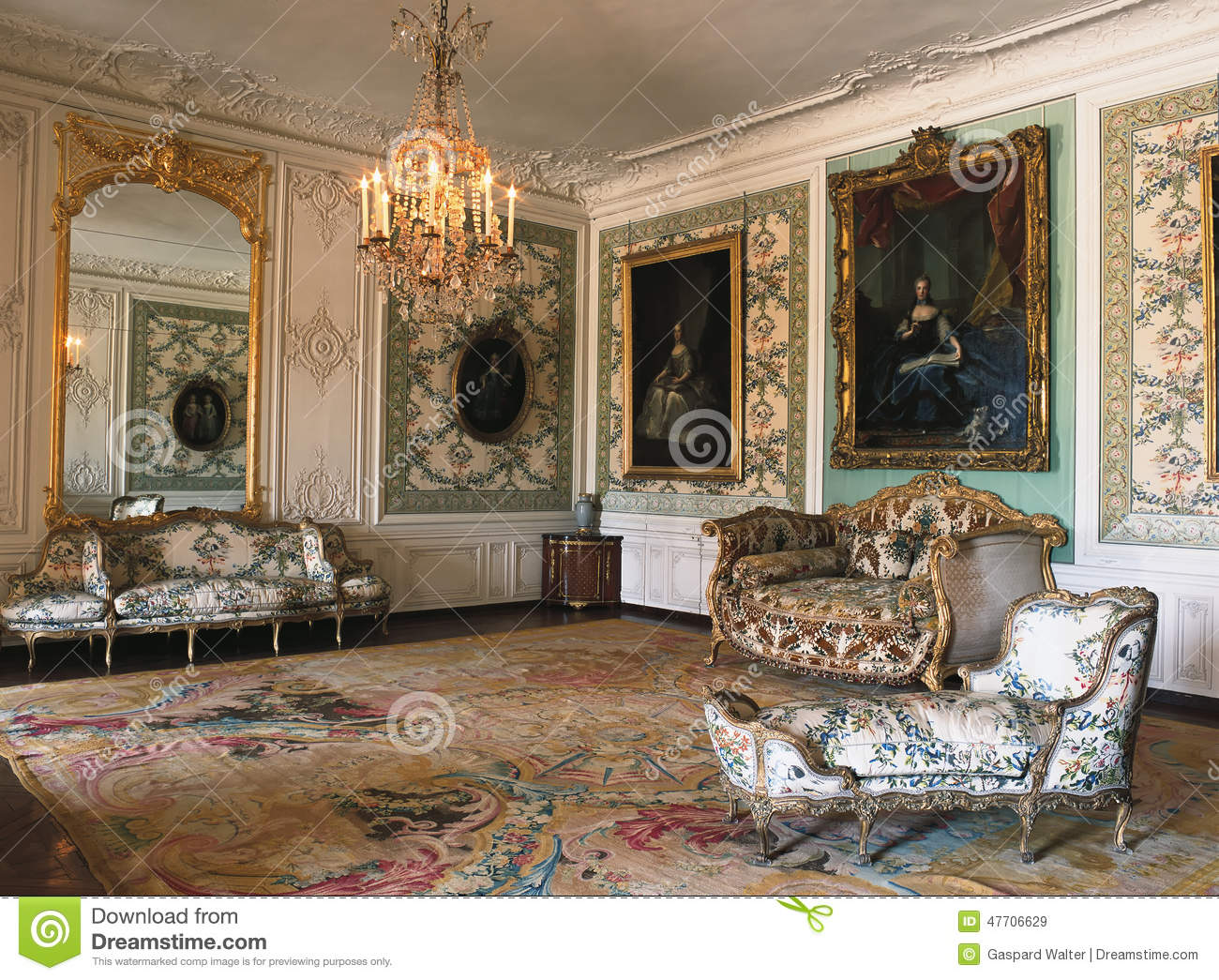 Large Mirror Furniture And Chandelier At Versailles