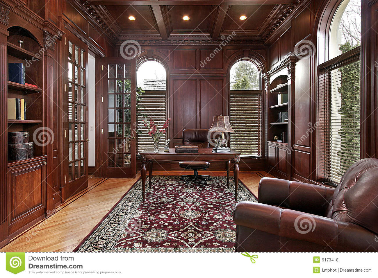 Library With Cherry Wood Paneling Royalty Free Stock