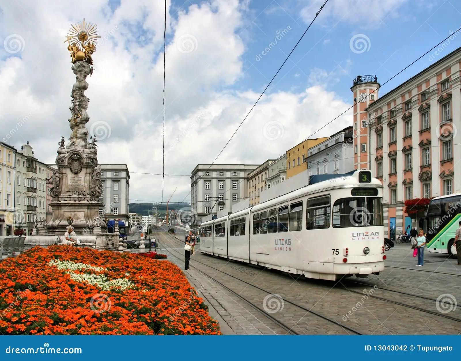 Linz Oostenrijk Redactionele Fotografie  Afbeelding 13043042