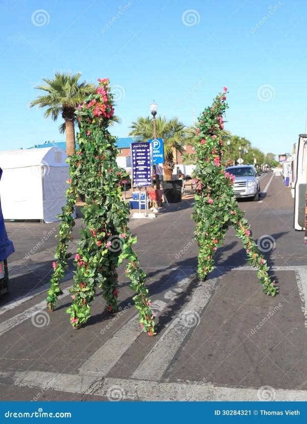 Usa Az Tempe Festival Entertainment - Stilt Walkers In