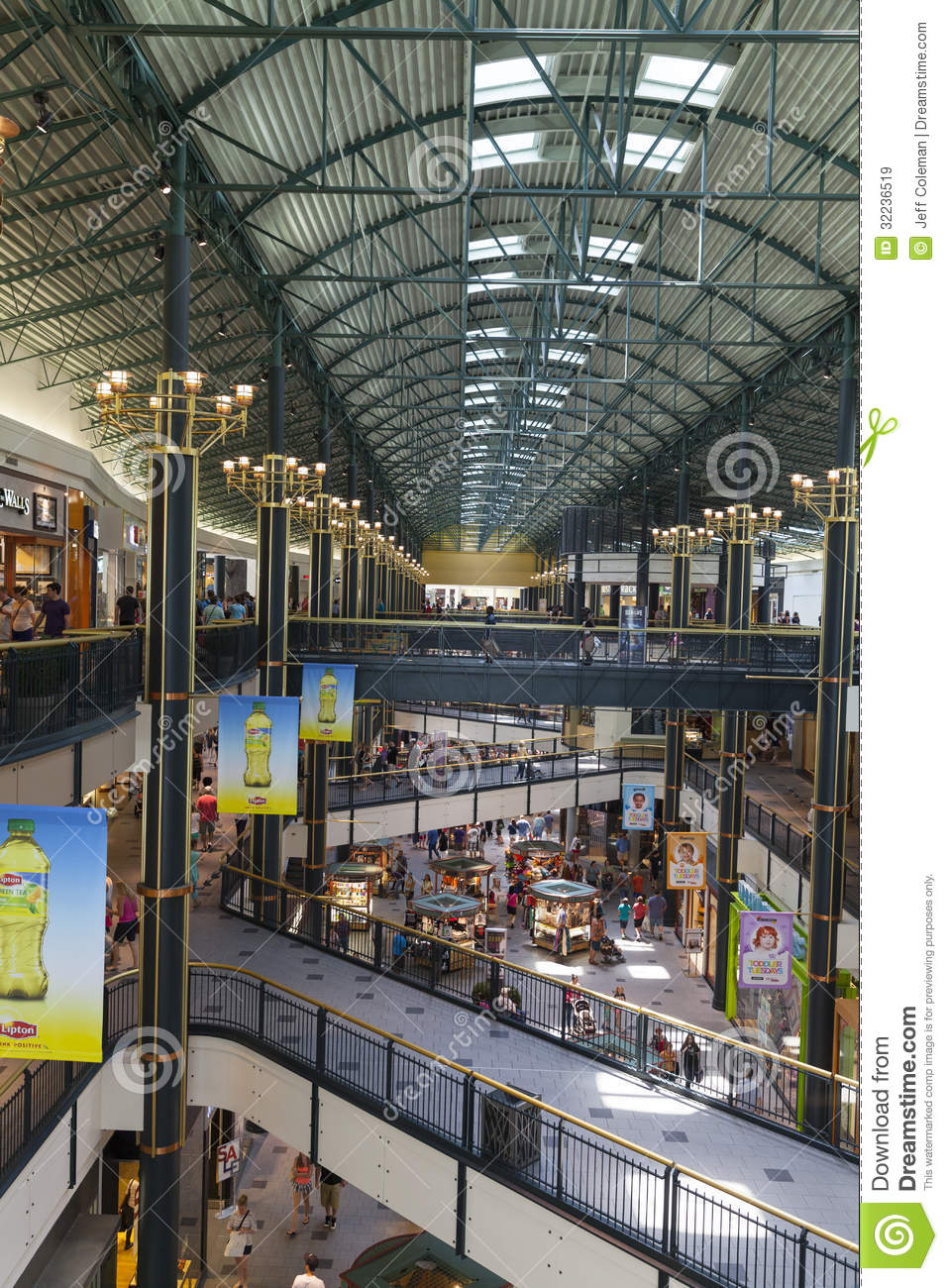 A Long Shopping Corridor In The Mall Of America In Bloomington. Editorial Stock Image - Image of united. minneapolis: 32236519