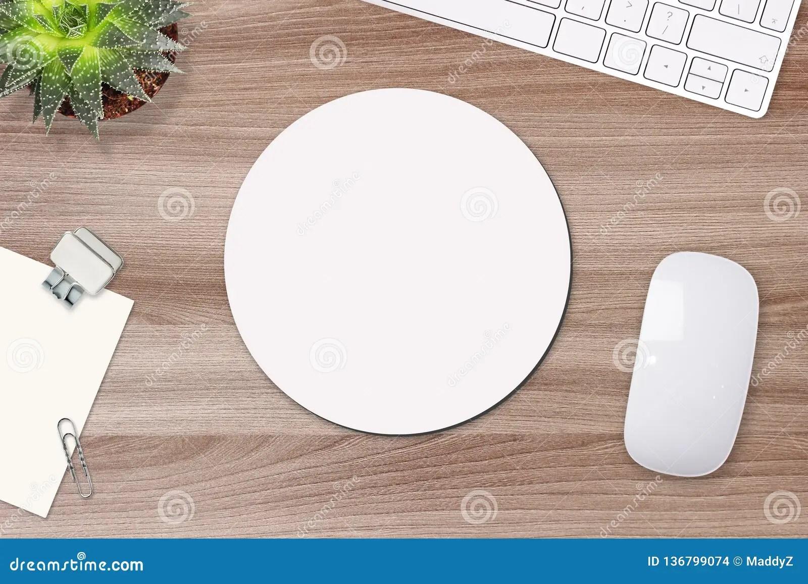 https fr dreamstime com maquette tapis souris blanc rond table les appui verticaux clavier image136799074