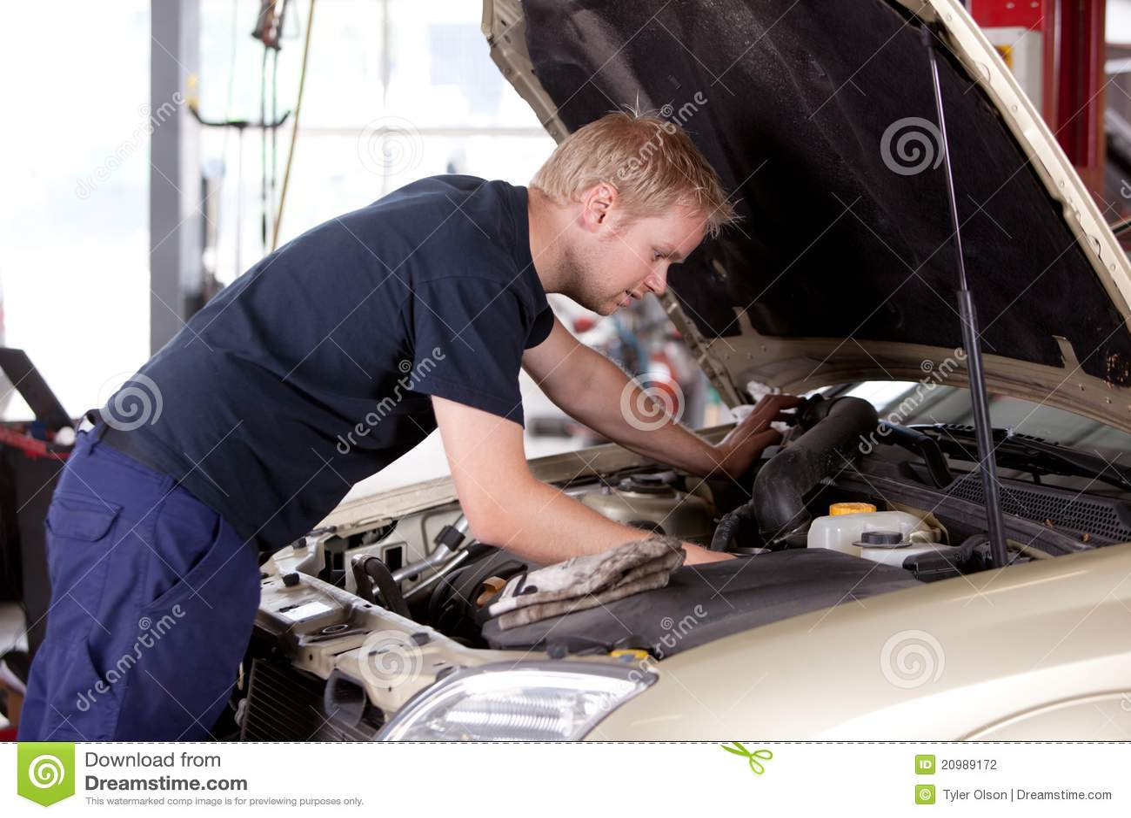 Mechanic Fixing Car Stock Photography Image 20989172