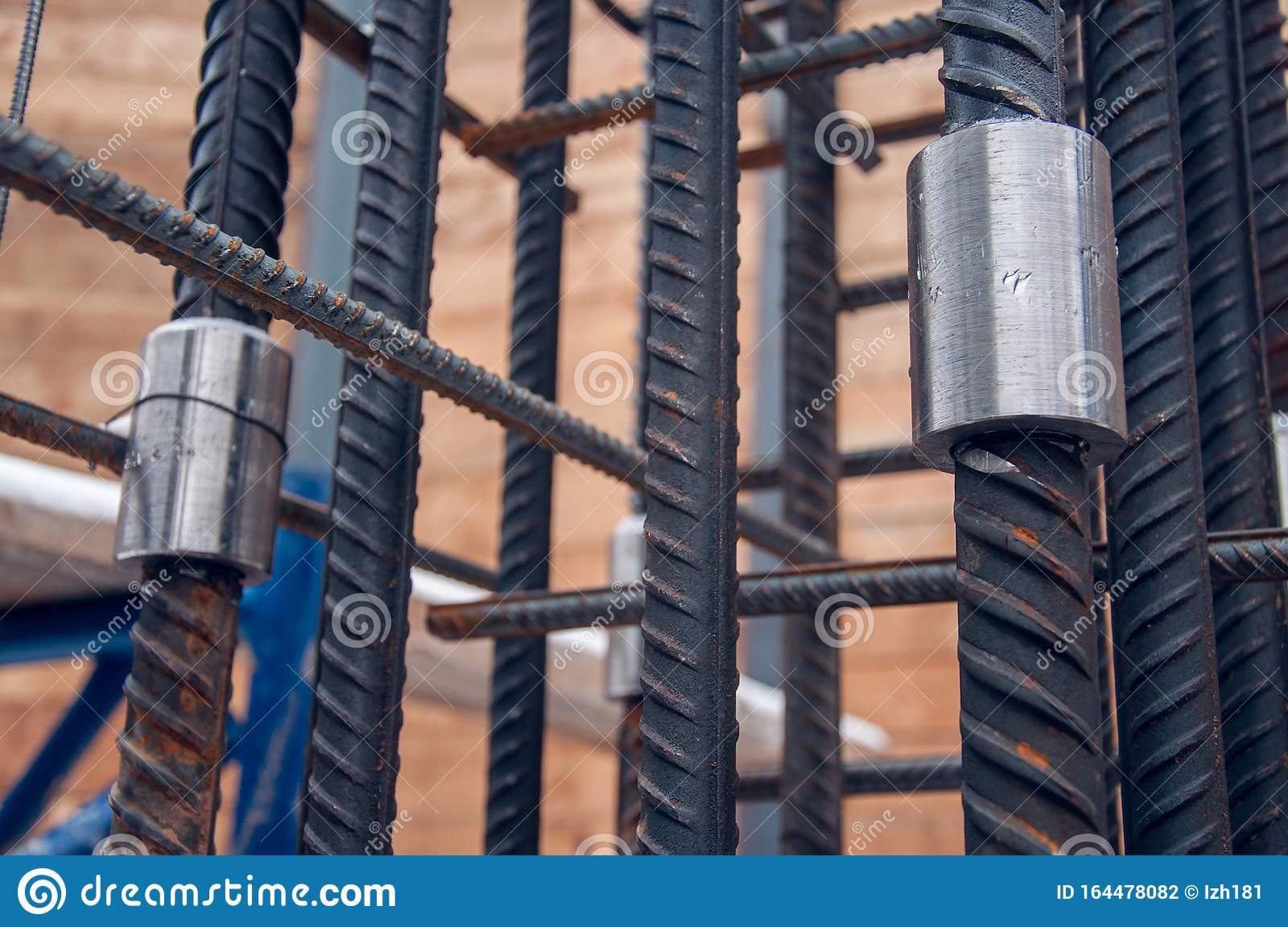 The Method Of Connecting Reinforcing Bars For Concrete