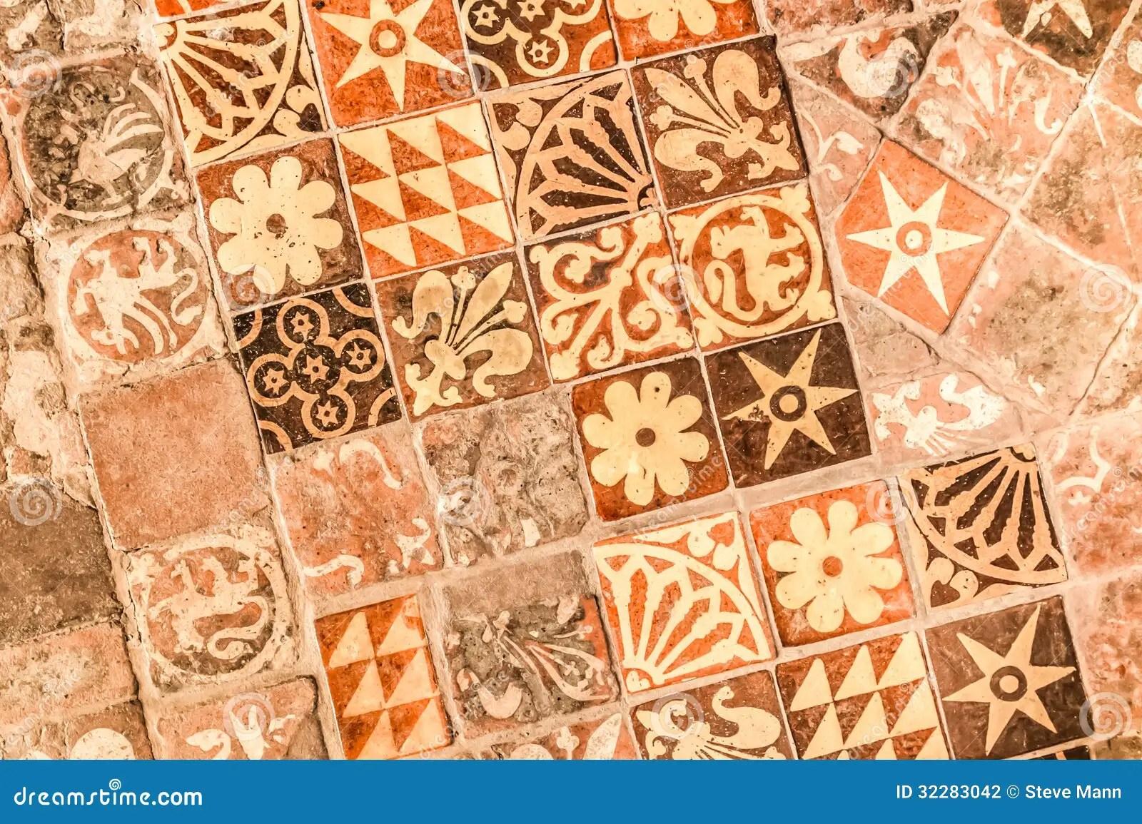 Mittelalterliche Fliesen stockfoto Bild von formen