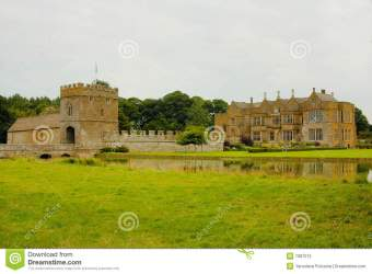 medieval castle manor moat england preview building