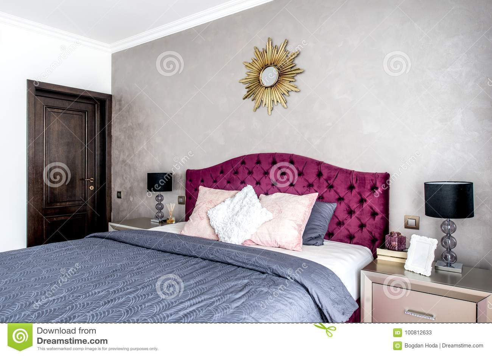 Modern And Cozy Interior Bedroom Design. Master Bedroom