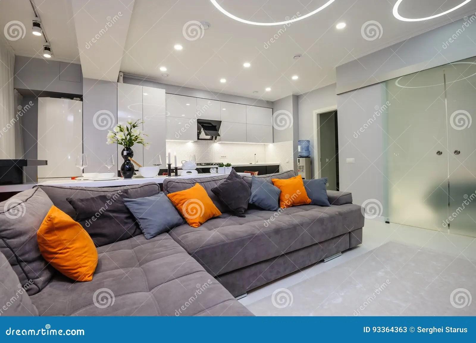 Modernes Weisses Wohnzimmer Ideal Mobel Lowboard In Weiss Mit