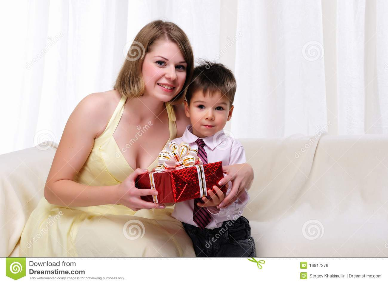 mom giving a gift