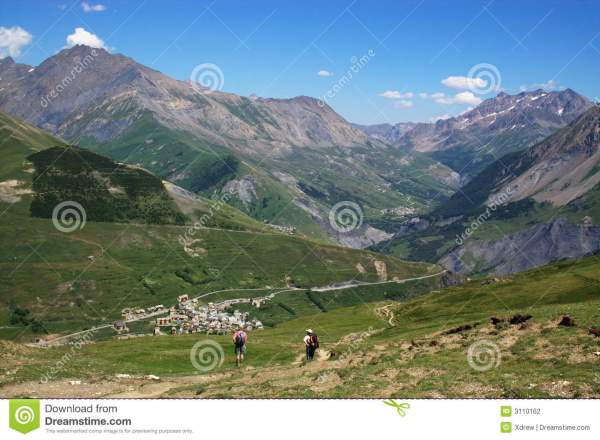 Mountain Valley Landscape Stock - 3110162
