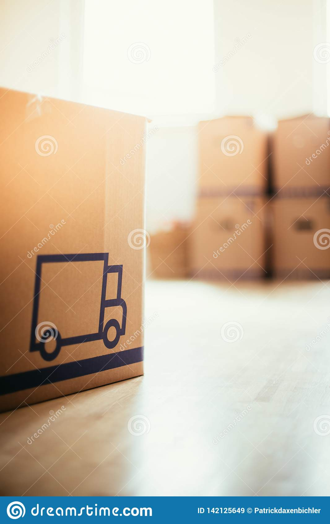 Move Cardboard Boxes For Moving Into A New Clean And Bright Home Stock Image Image Of Floor Investment 142125649
