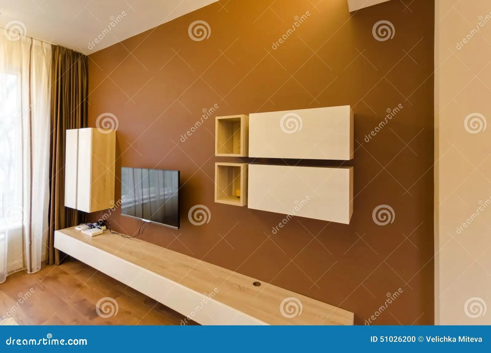Muur In Woonkamer Met Kast En TV Stock Foto  Afbeelding