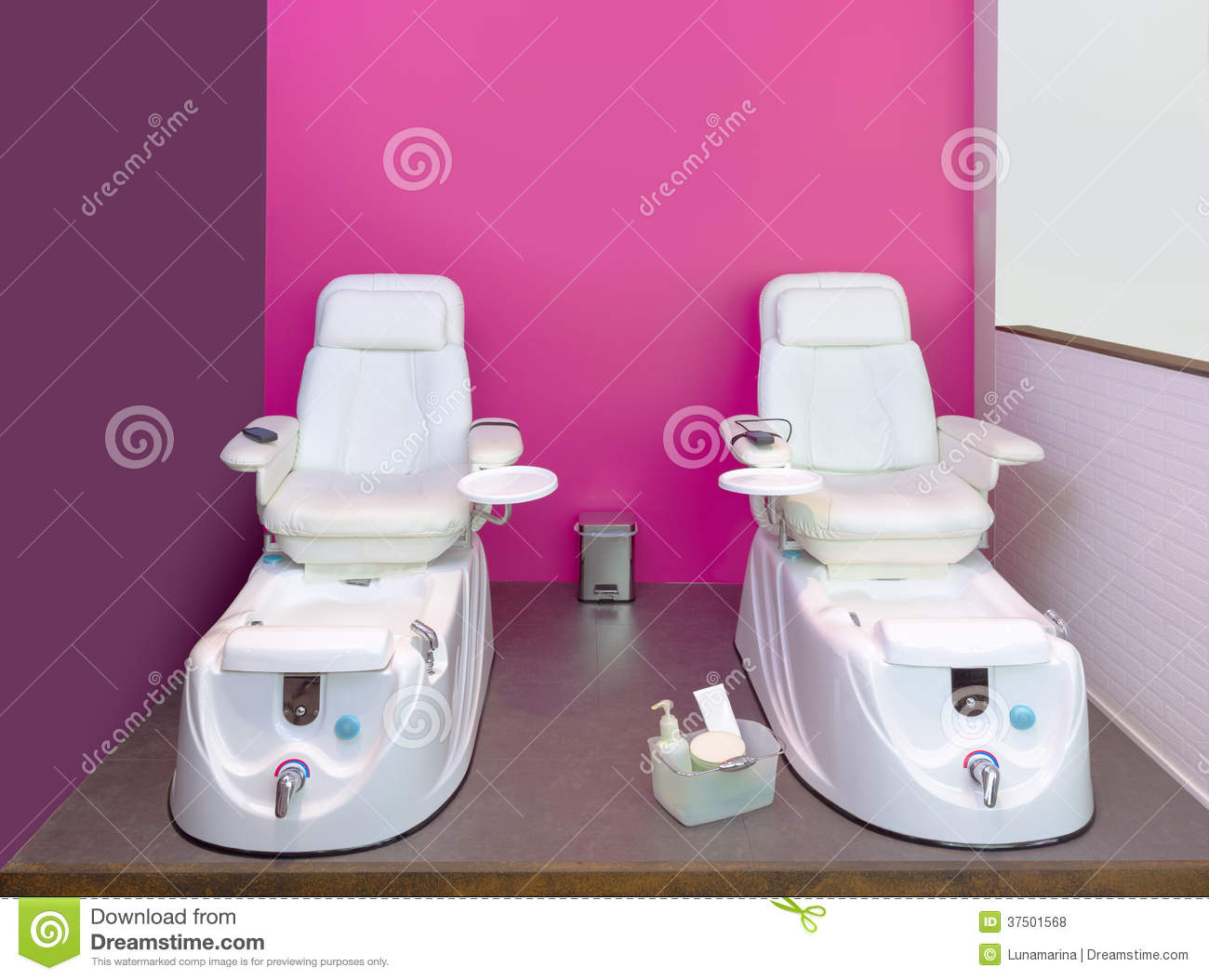 Nail Saloon Pedicure Chair Spa Furniture In Pink Wall