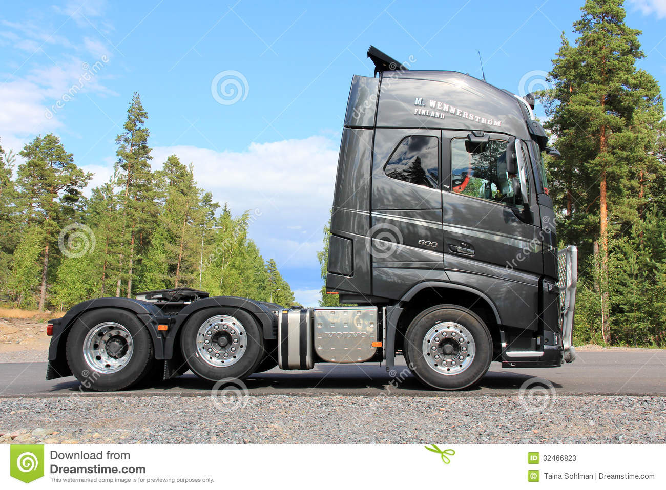 New Volvo Fh16 600 Truck Of Graphite Color Editorial Stock