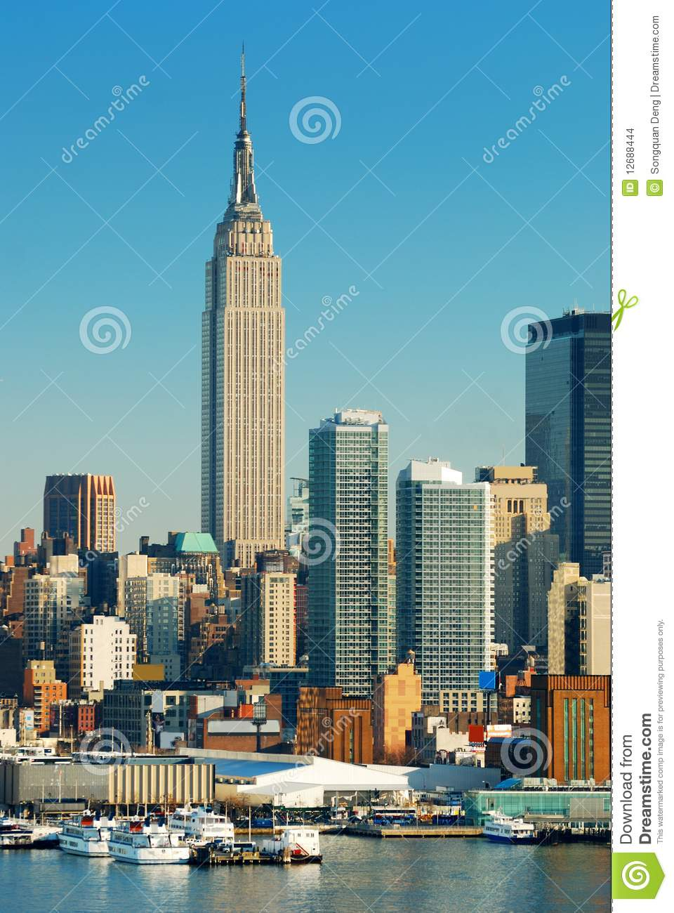 New York City Empire State Building Editorial Stock Image - Image of ferry, commute: 12688444