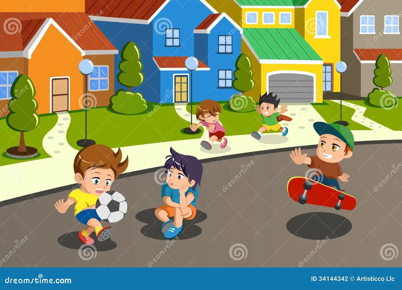 Ninos Que Juegan En La Calle De Una Vecindad Suburbana
