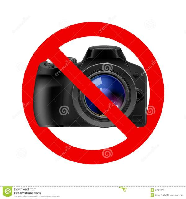 Camera Allowed Sign Stock - 27181323