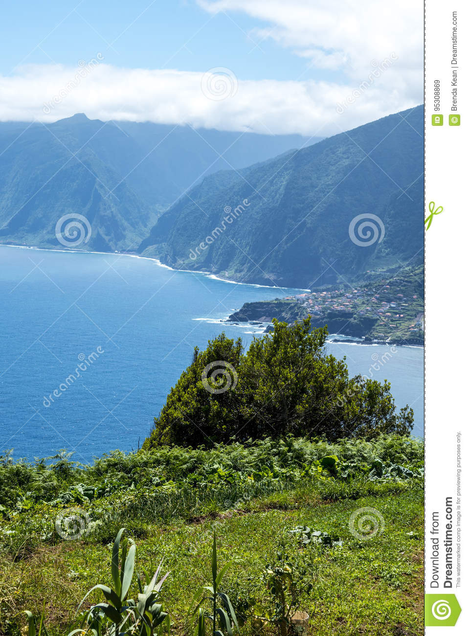Image by stephen davis via wikimedia commons ( cc by 2.0 ). The North West Coast Where The Mountains In The North Of The Island Of Madeira Meet The Atlantic Ocean Editorial Stock Image Image Of Mists Cliffs 95308869