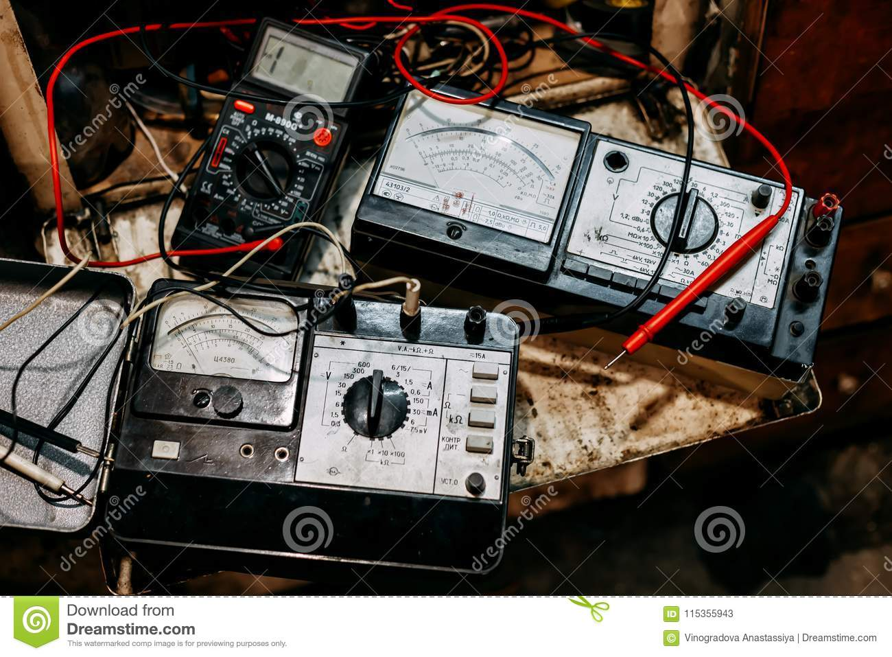hight resolution of old ammeter electronics in garage
