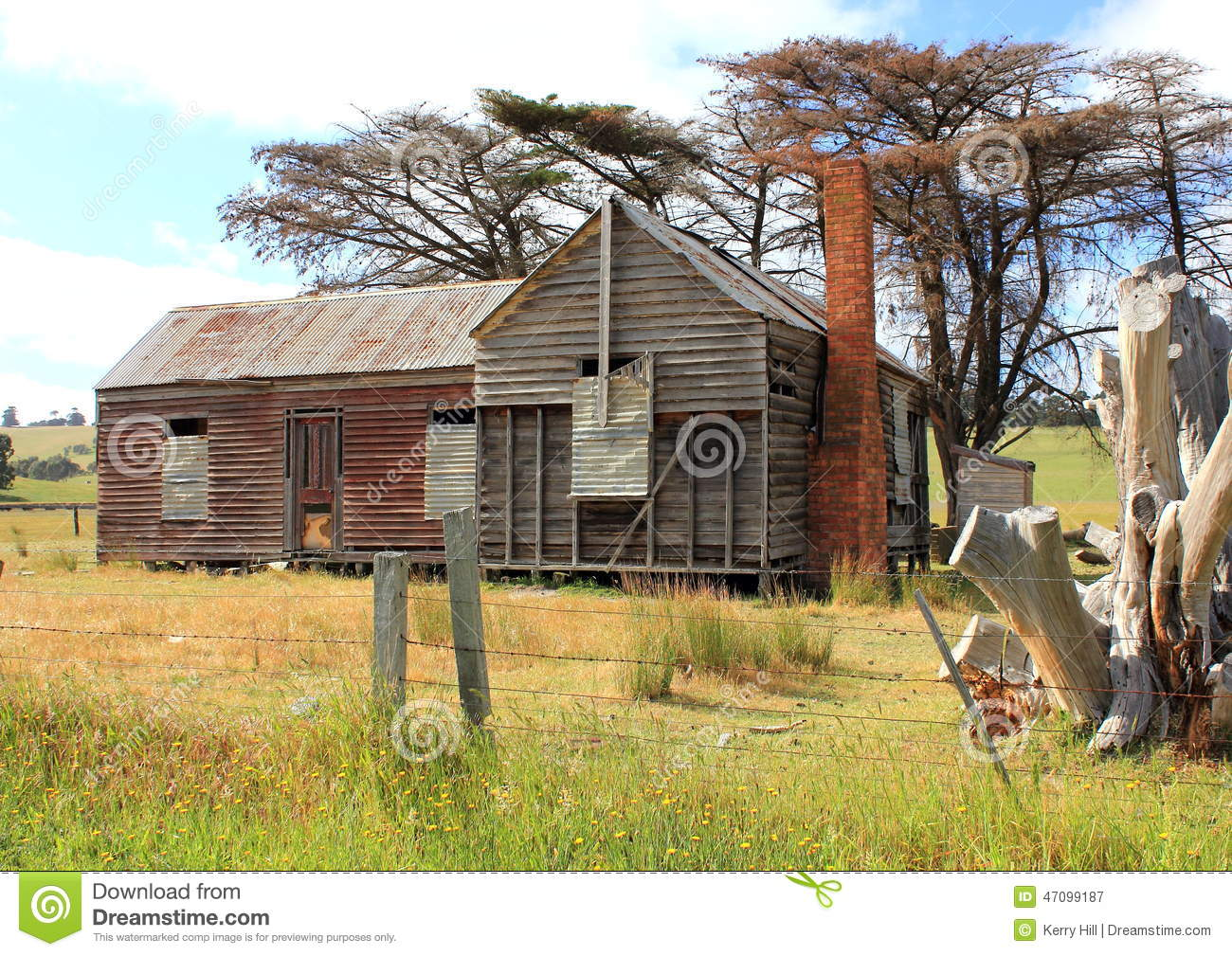 Old And Dilapidated Australian Country Homestead Stock