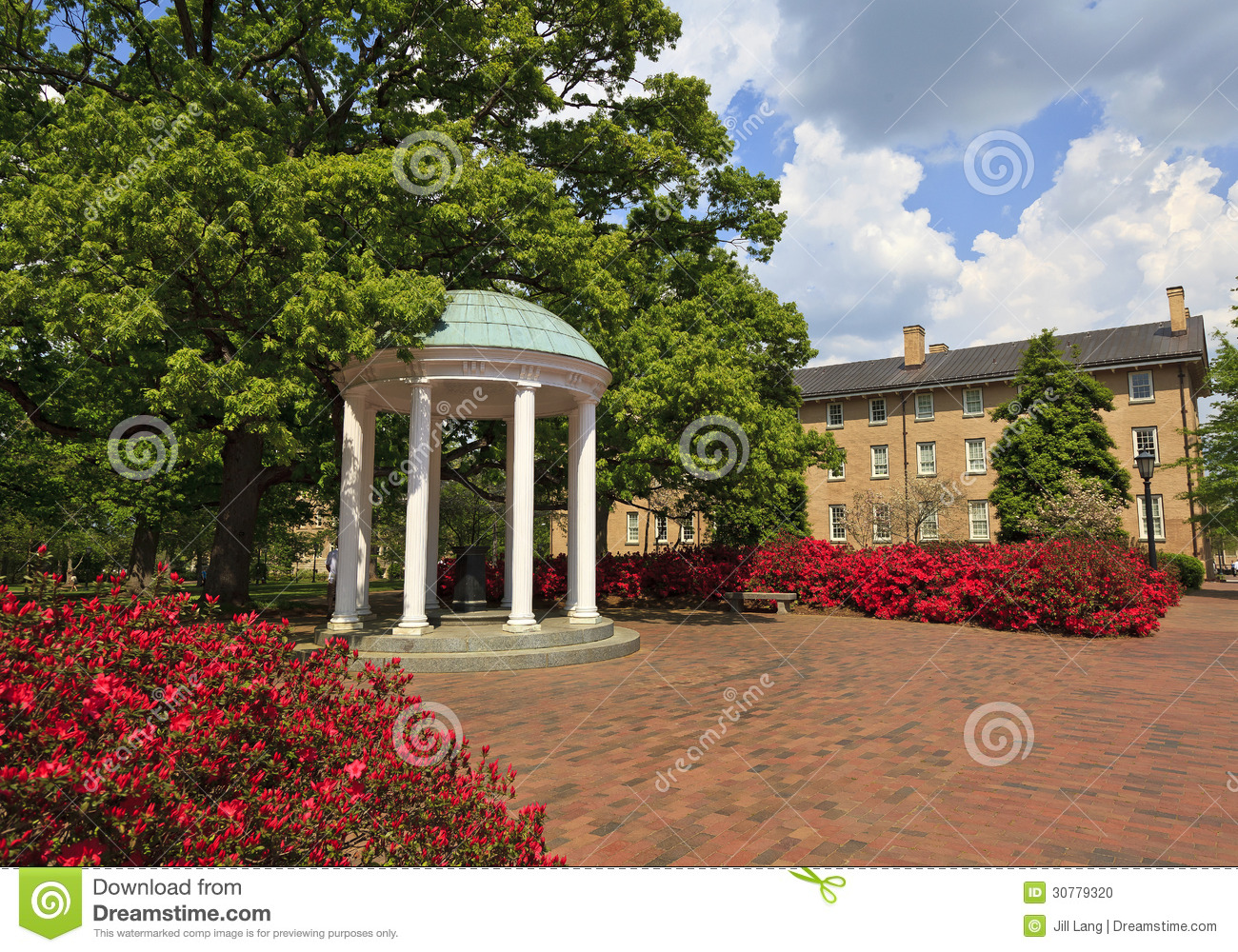 Old Well At Chapel Hill Nc Stock Photo