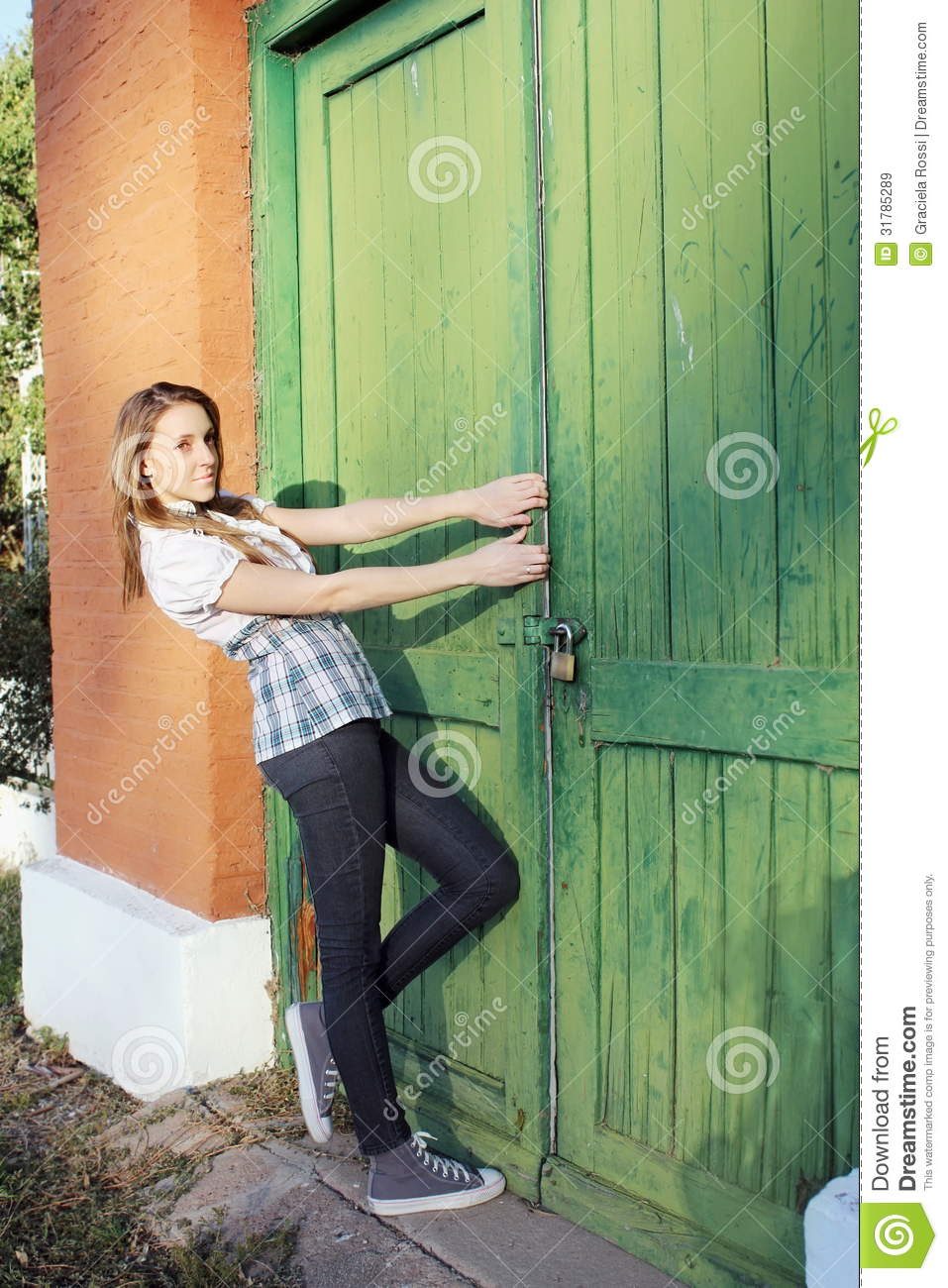 Open The Door Green Royalty Free Stock Images  Image 31785289