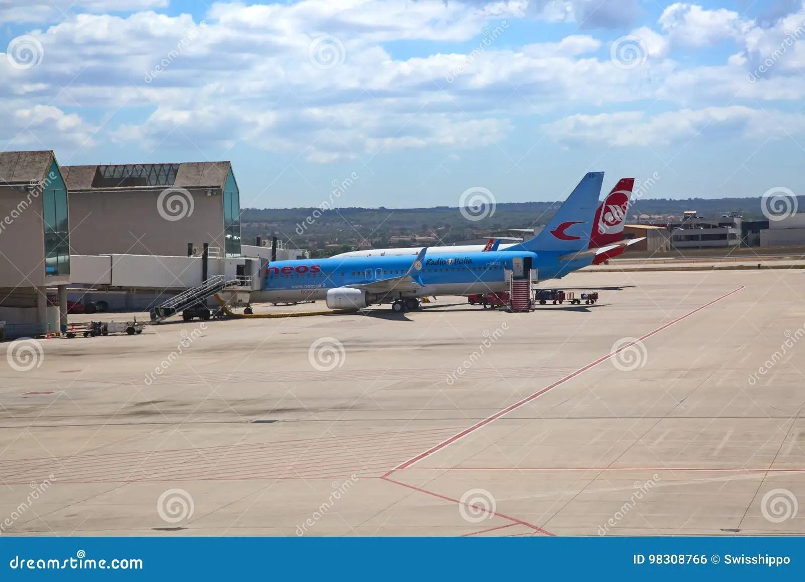 https de dreamstime com redaktionelles foto palma de mallorca airport image98308766