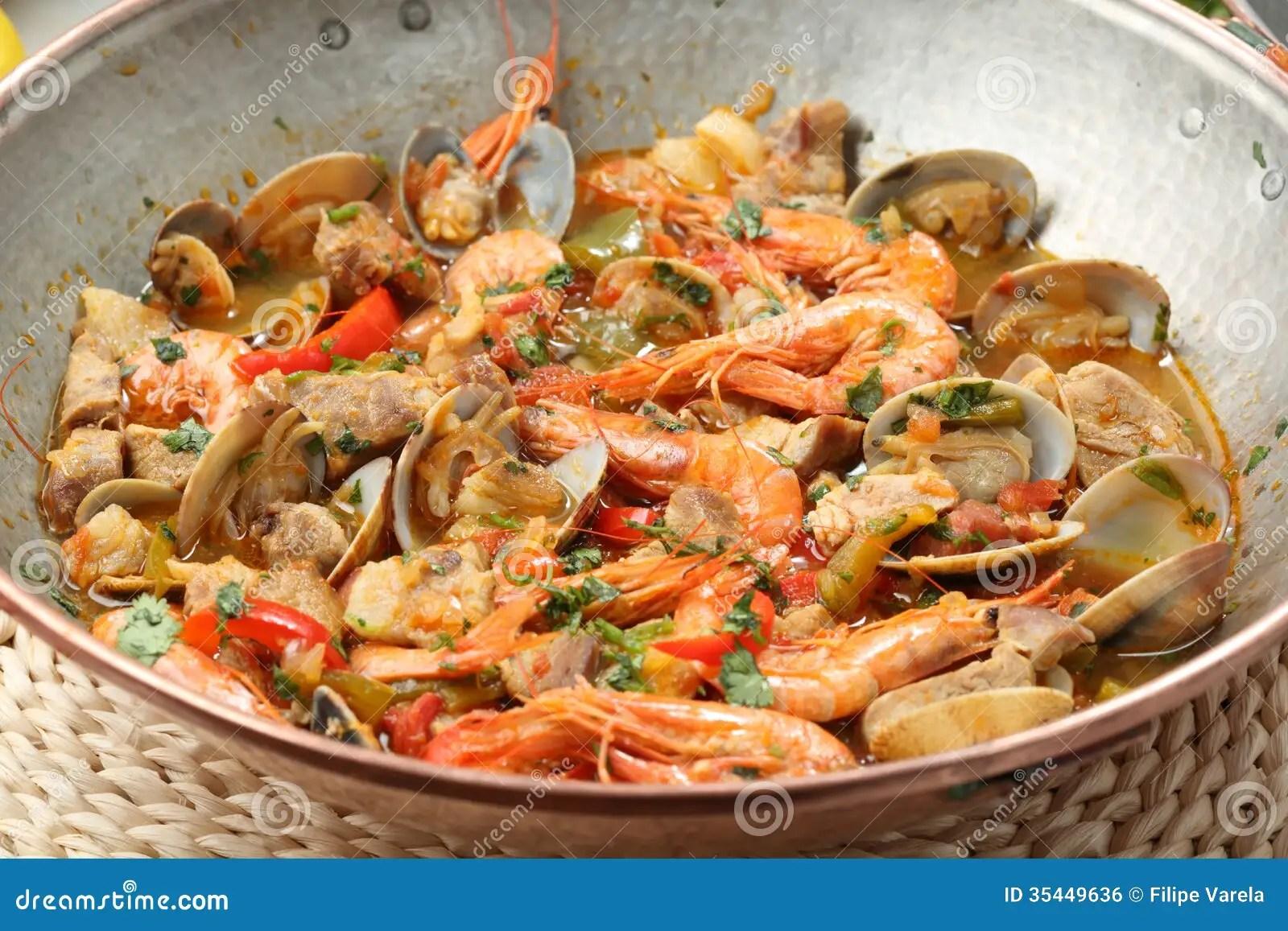 Piatto Tradizionale Dei Frutti Di Mare Del Portuguse