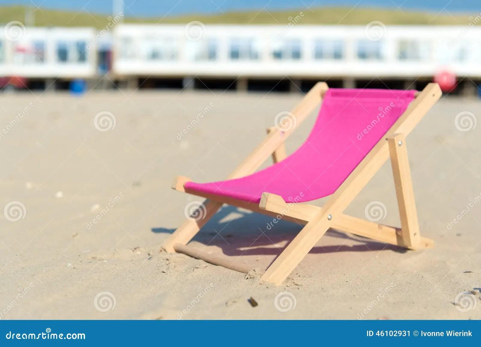 pink beach chair build a
