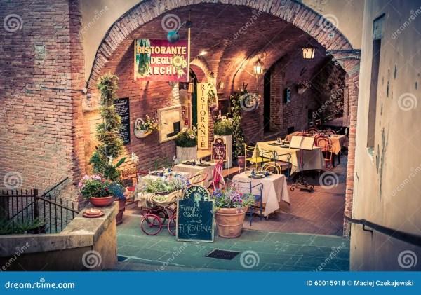 Pizzeria Italienne En Toscane Stock Ditorial