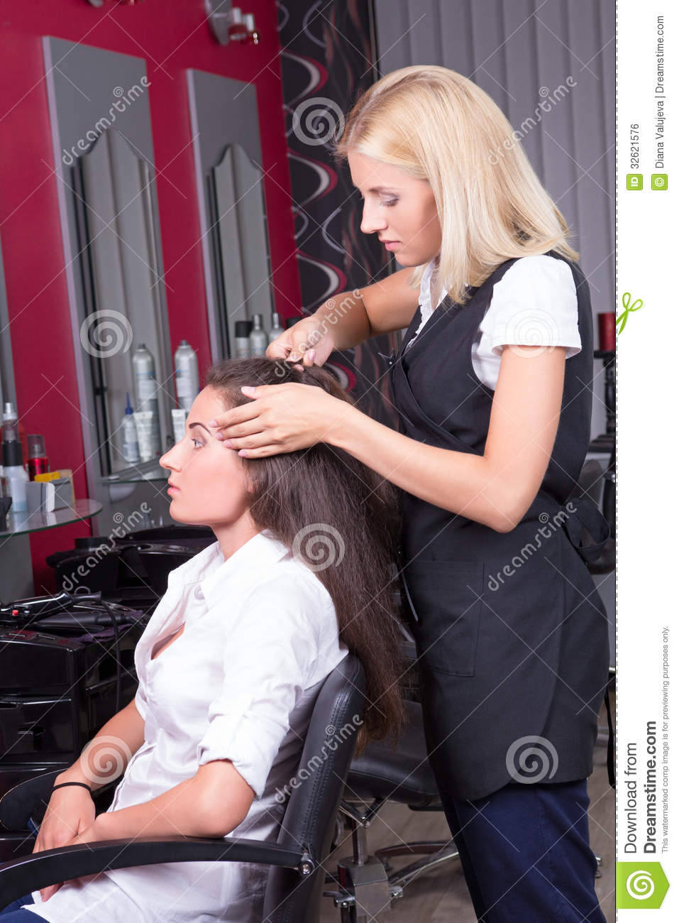 chair design for elderly beach towels with pocket lounge portrait of professional hairdresser at work in beauty salon royalty free stock image - ...