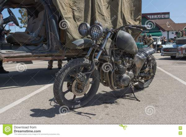 Post-apocalyptic Survival Motorcycle Editorial