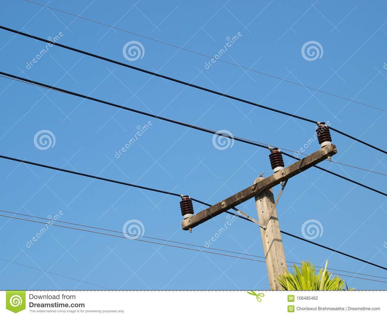 hight resolution of three phase power electricity lines installed on top of concrete pole with ceramic isolators blue sky background