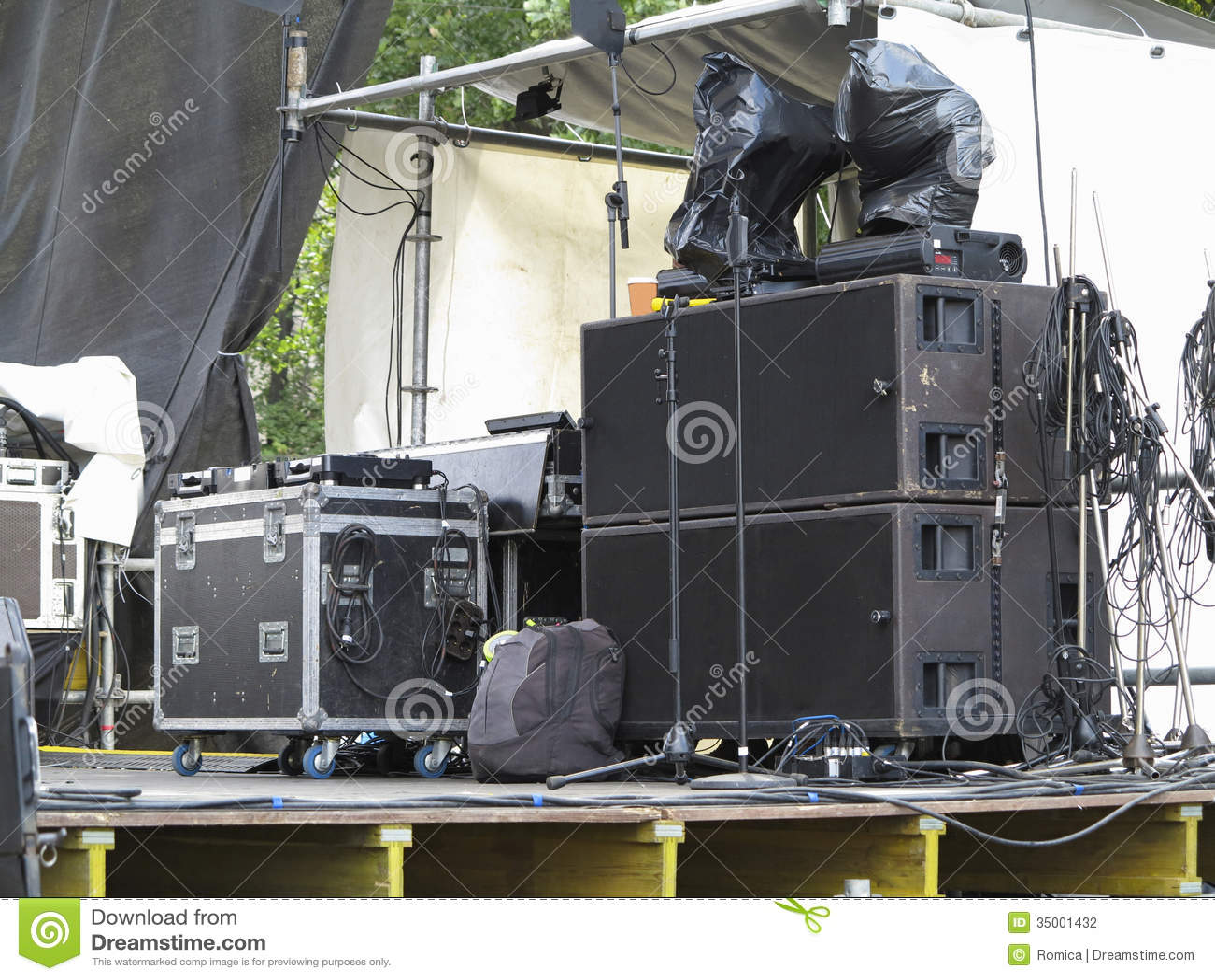 Powerfull Concerto Audio Speakers amplifiers spotlights