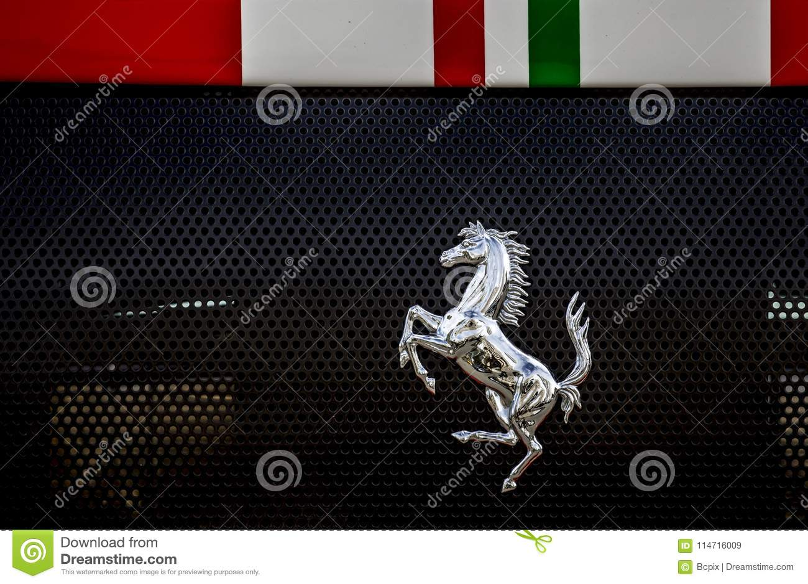 prancing horse ferrari emblem