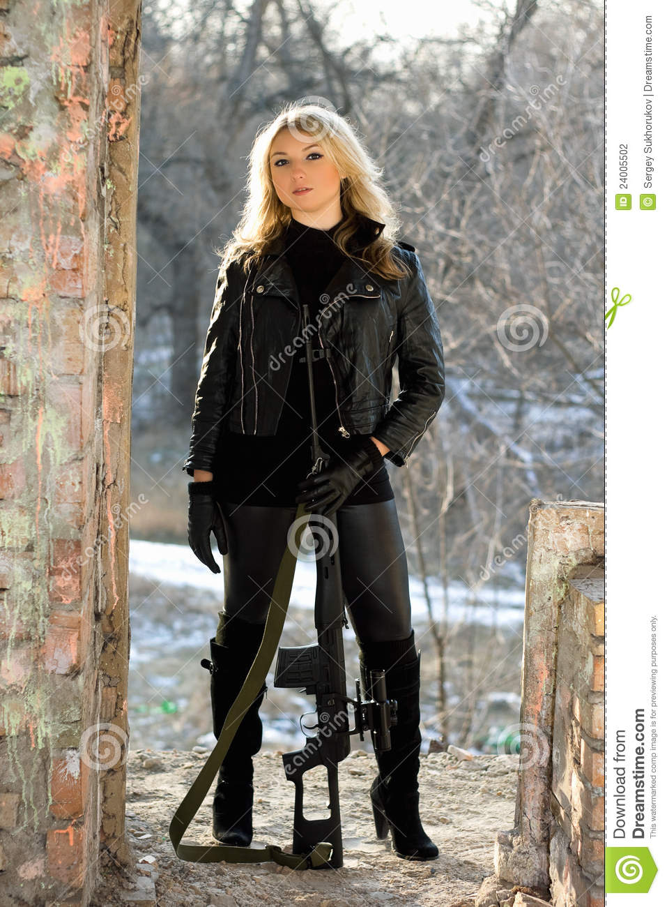 Beautiful Girl With Gun Wallpaper Pretty Woman With A Sniper Rifle Stock Photography Image