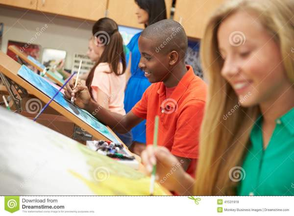 Pupils In High School Art Class Stock - 41531919