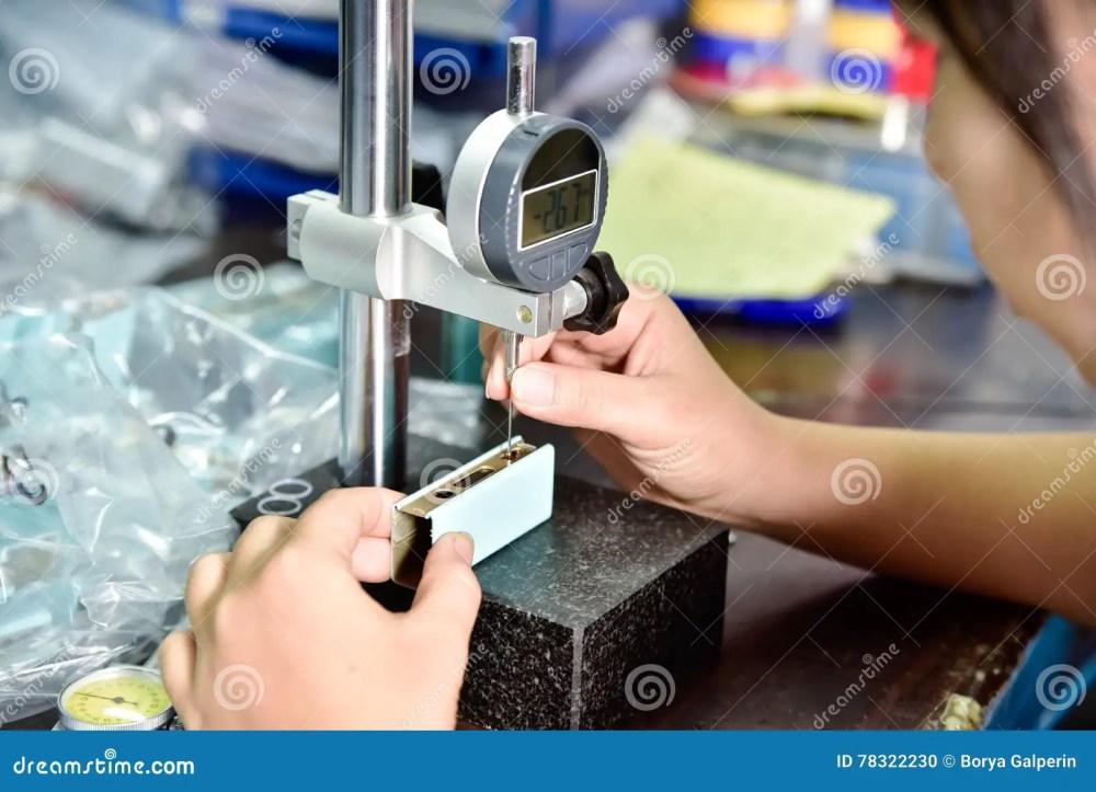 medium resolution of qc testing of e cigarette box mod at factory