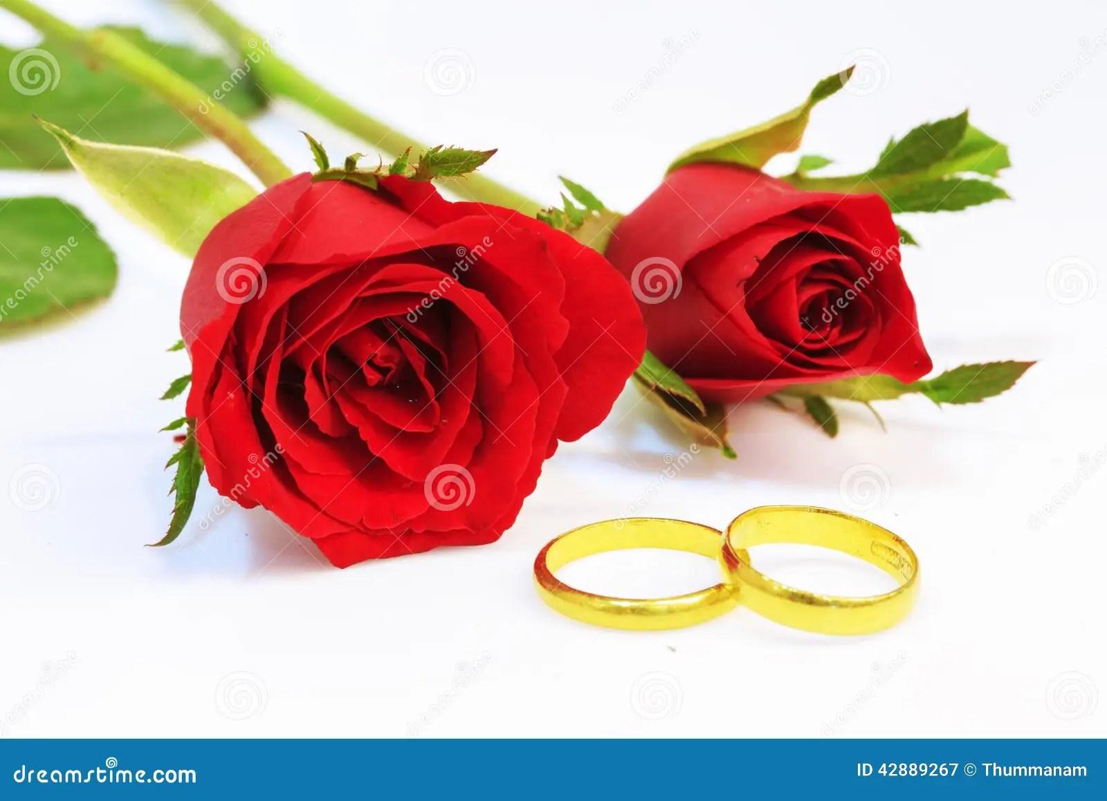 Goldene Ringe Mit Gravur
